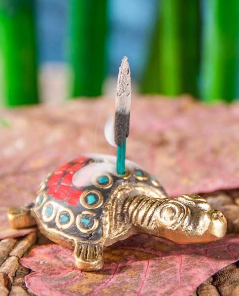 Räucherstäbchenhalter in Teirform, Schildkröte aus Messing